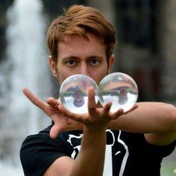 Danelo - Contact Juggling
