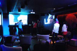 Karaoke privado con cena de lujo