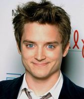 PIANISTA DOBLE DE ELIJAH WOOD