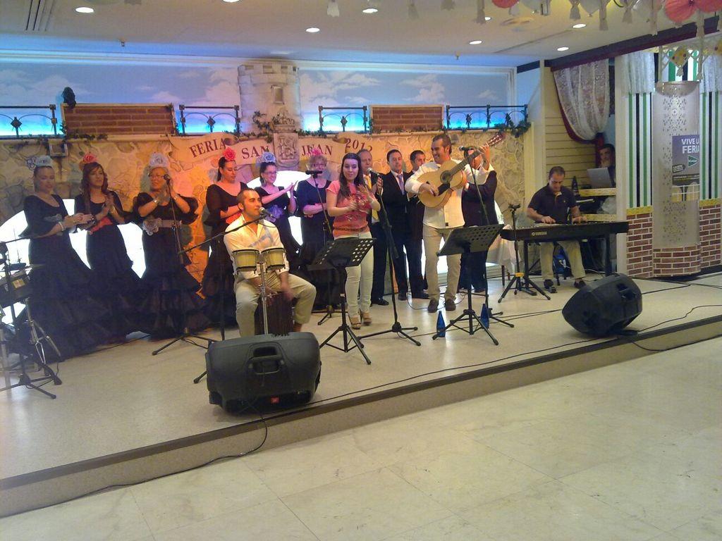 Artista del coro de mujeres letones 4