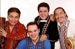 Oscar Benito Paraguayos Show Ensemble