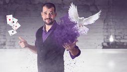 Andrés Madruga - Magia Cómica