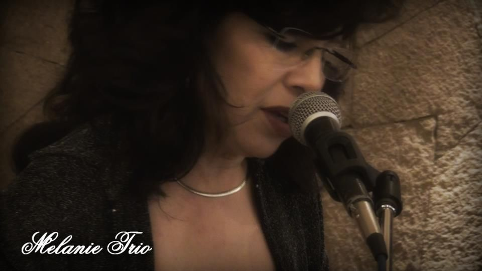 melanie trio -smooth latin jazz- 0