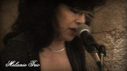 MELANIE TRIO -smooth latin jazz-