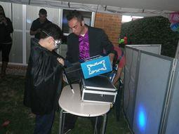 Mago Tito especialista en magia cómica infantil.