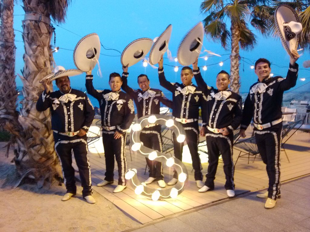 mariachi internacional pampers 2