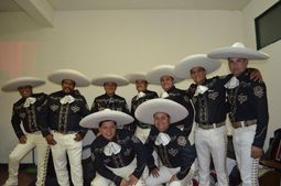 Mariachi Internacional Pampers